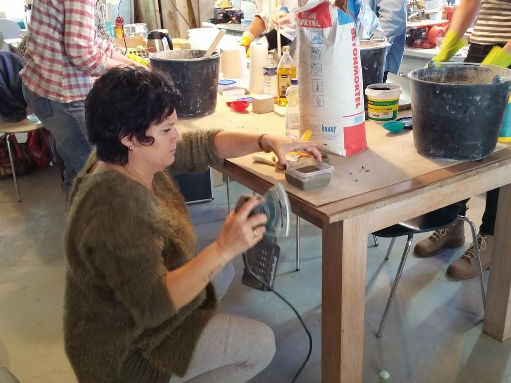 Beton Tafel Maken : Fotoboek beton en hout beqwaam workshops