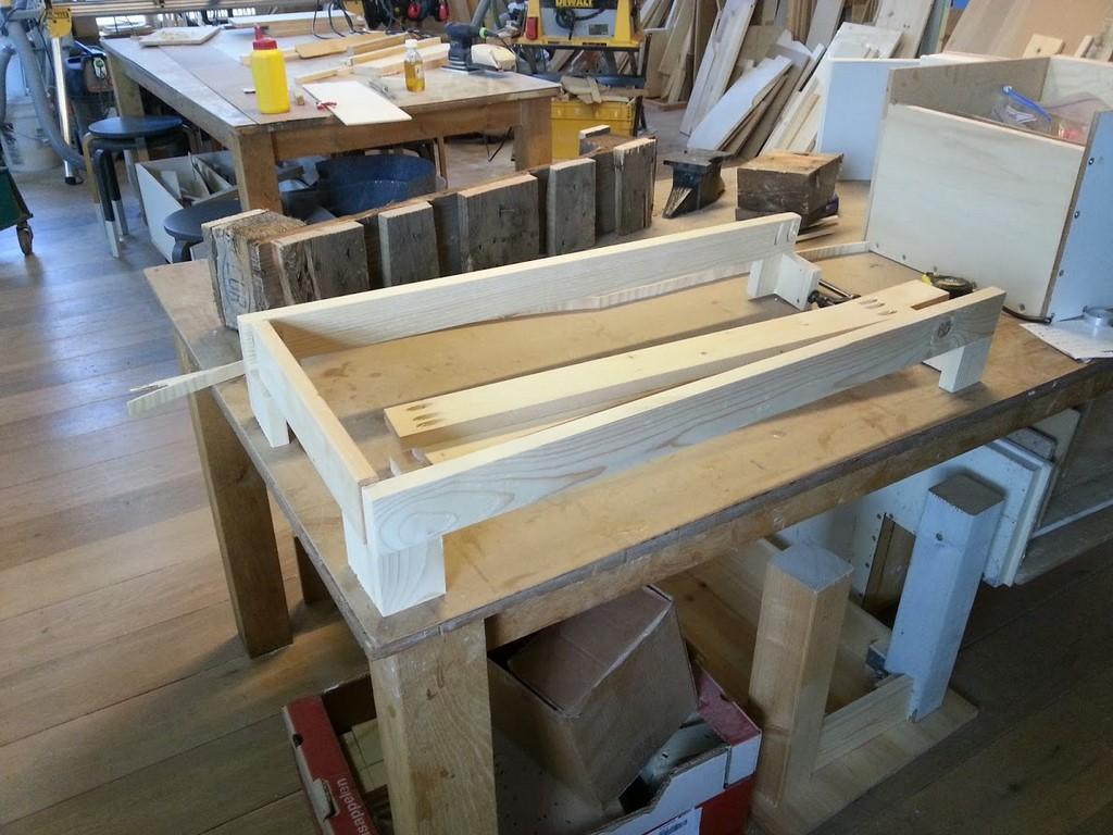 Cursus tafel bouwen02 fotoboek beqwaam workshops for Tafelblad steigerhout maken