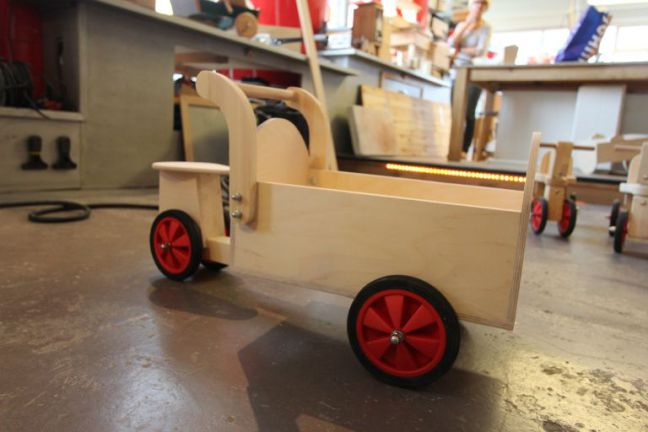 Houten kinderspeelgoed maken nivo beqwaam workshops for Houten vijverbak maken
